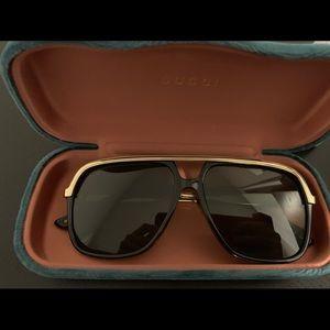 Brand new Gucci rectangular frame sunglasses